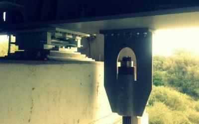 Wymiana łożyska wielokierunkowo – przesuwnego napodporze Nr3 Mostu Głównego narzece San wPrzemyślu.